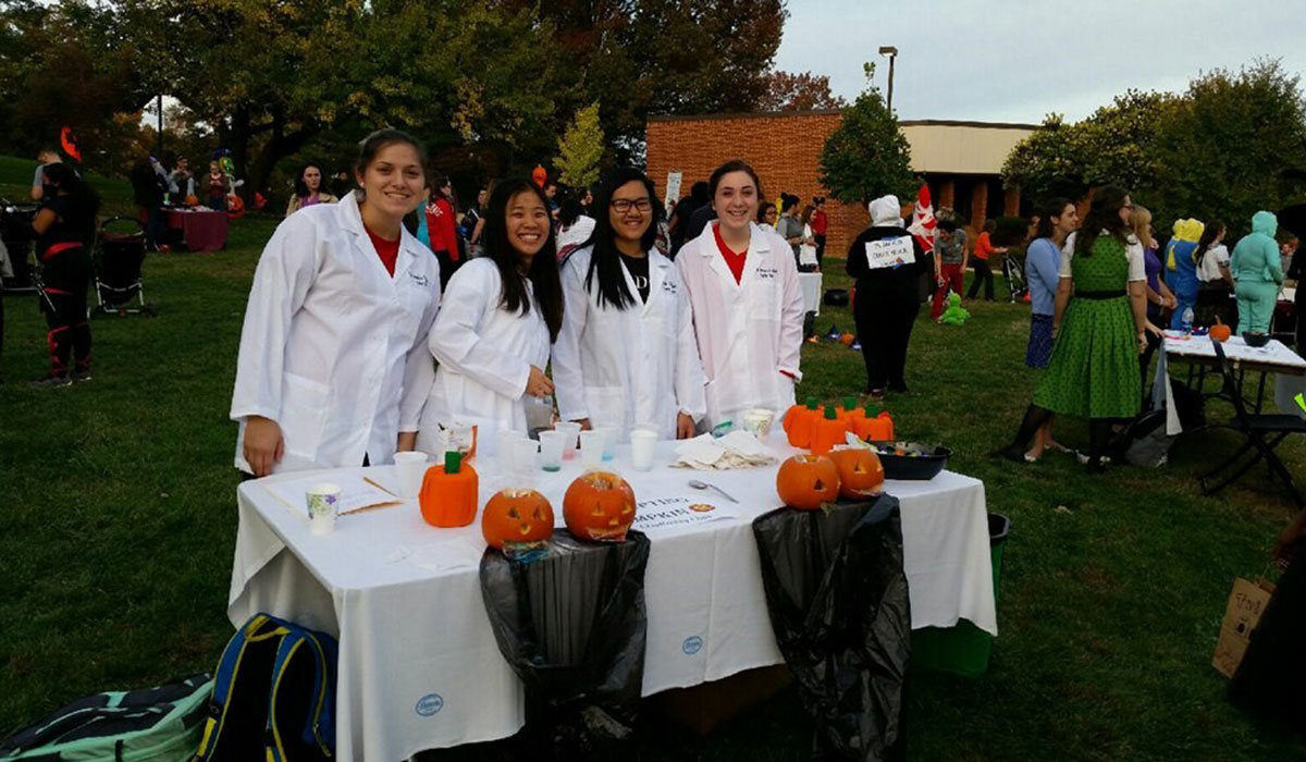 Chemistry Club at Halloween on Campus event