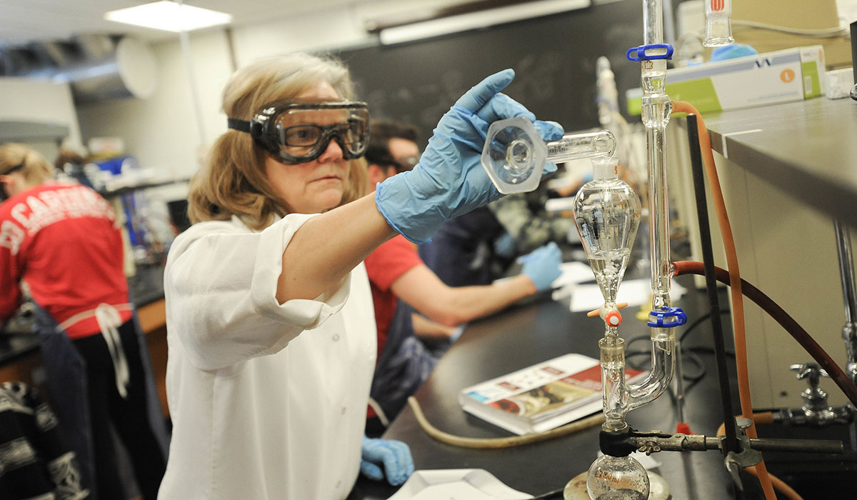 Cynthia Brewer in chemistry lab